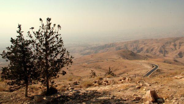 Вид на Иорданскую долину с горы Нево, Иордания