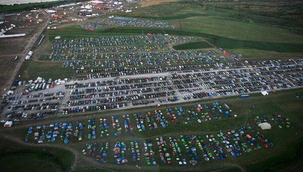 Палаточный городок и парковка на юбилейном пятом музыкальном фестивале Alfa Future People в Нижегородской области