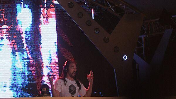 Музыкальный исполнитель Стив Аоки на юбилейном пятом музыкальном фестивале Alfa Future People в Нижегородской области