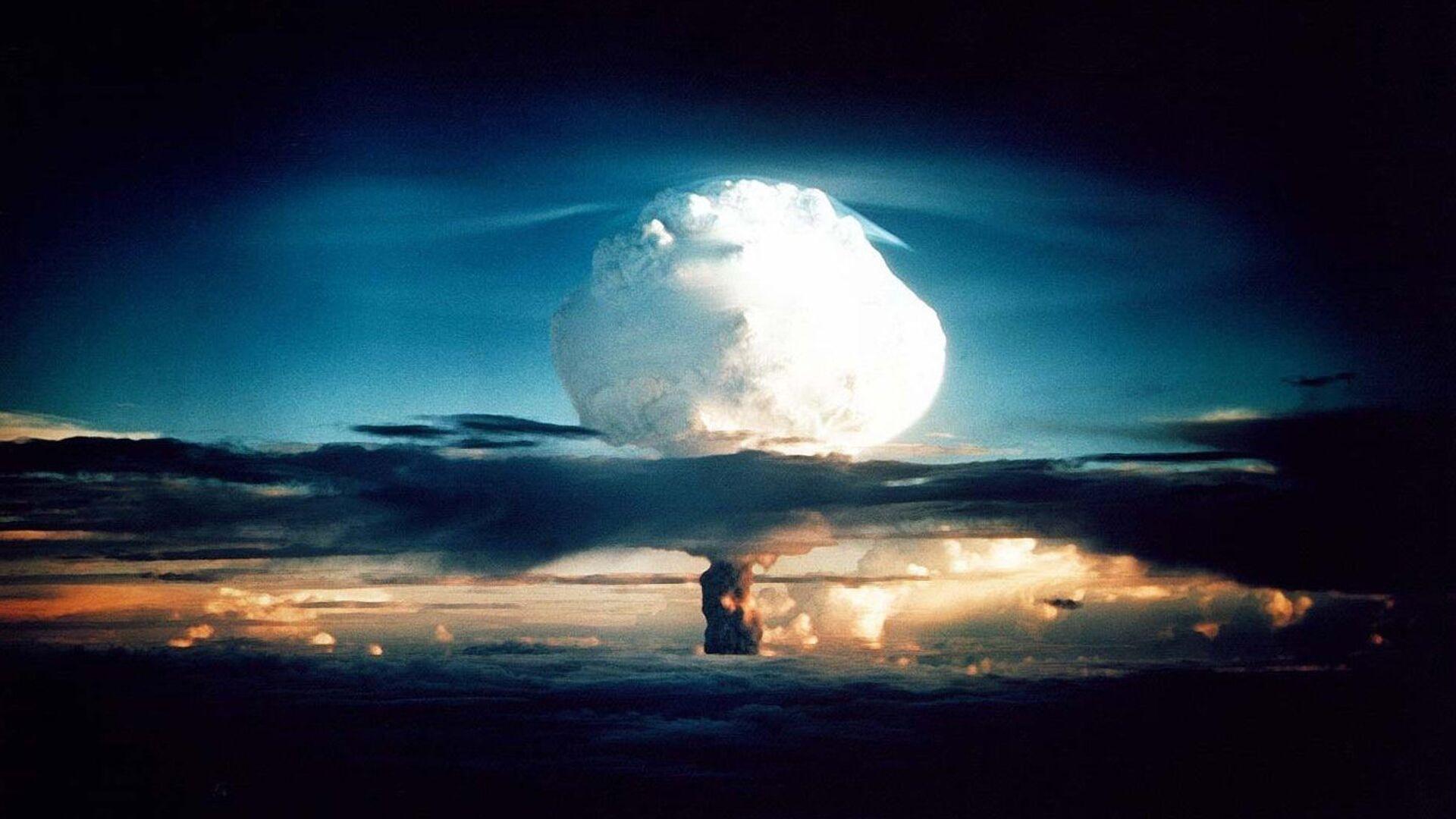 Испытание термоядерного взрывного устройства в США - РИА Новости, 1920, 24.02.2021