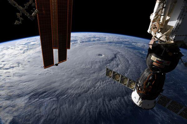 Фотография с Международной космической станции астронавта Рики Арнольда