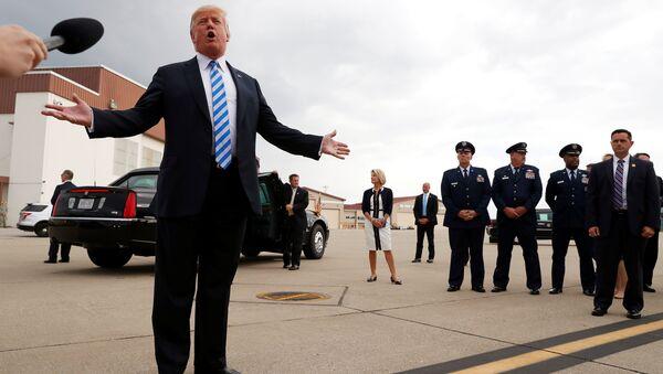 Президент США Дональд Трамп выступает перед прессой после вынесения приговора Полу Манафорту. 21 августа 2018