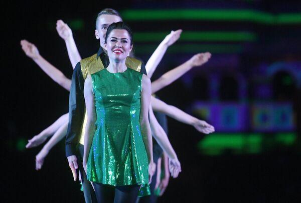 Участники Международной команды ирландских танцев на торжественной церемонии открытия XI Международного военно-музыкального фестиваля Спасская башня