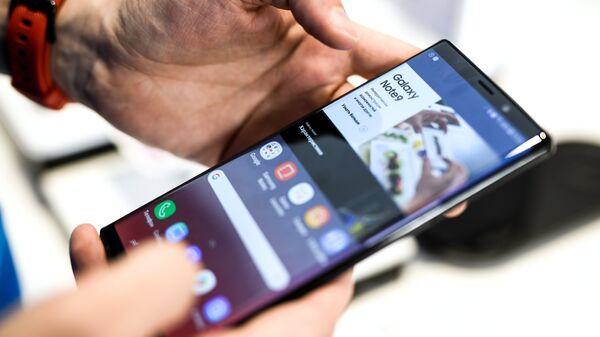 Старт продаж смартфона Samsung Galaxy Note9 в России