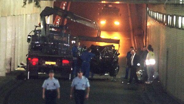 Место аварии с участием принцессы Дианы в туннеле у моста Альма в Париже. 31 августа 1997