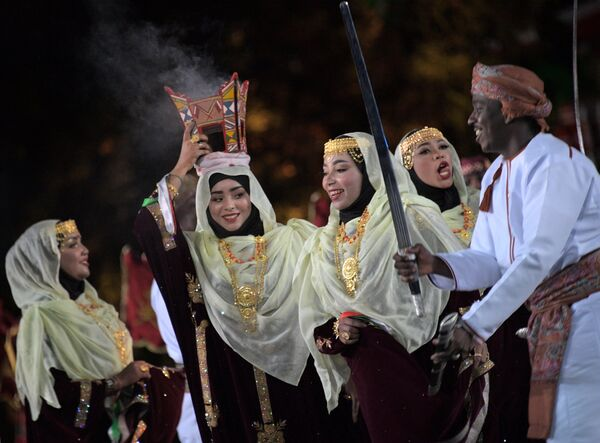 Военный оркестр Королевской гвардии Омана выступает на закрытии XI Международного военно-музыкального фестиваля Спасская башня