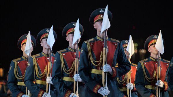Военный Образцовый оркестр Почетного караула выступает на закрытии XI Международного военно-музыкального фестиваля Спасская башня