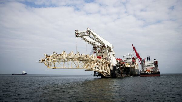 Трубоукладочное судно Solitaire готовится к началу работ по укладке газопровода Северный Поток - 2 в Балтийском море. 6 сентября 2018