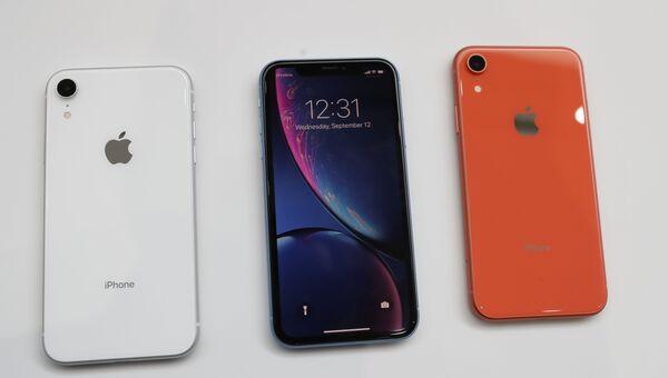 Демонстрация новых смартфонов Apple iPhone XR. 12 сентября 2018 года