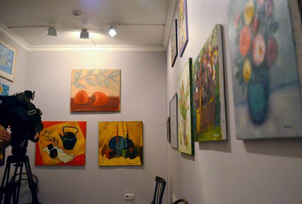 На выставке представлено более 87 работ