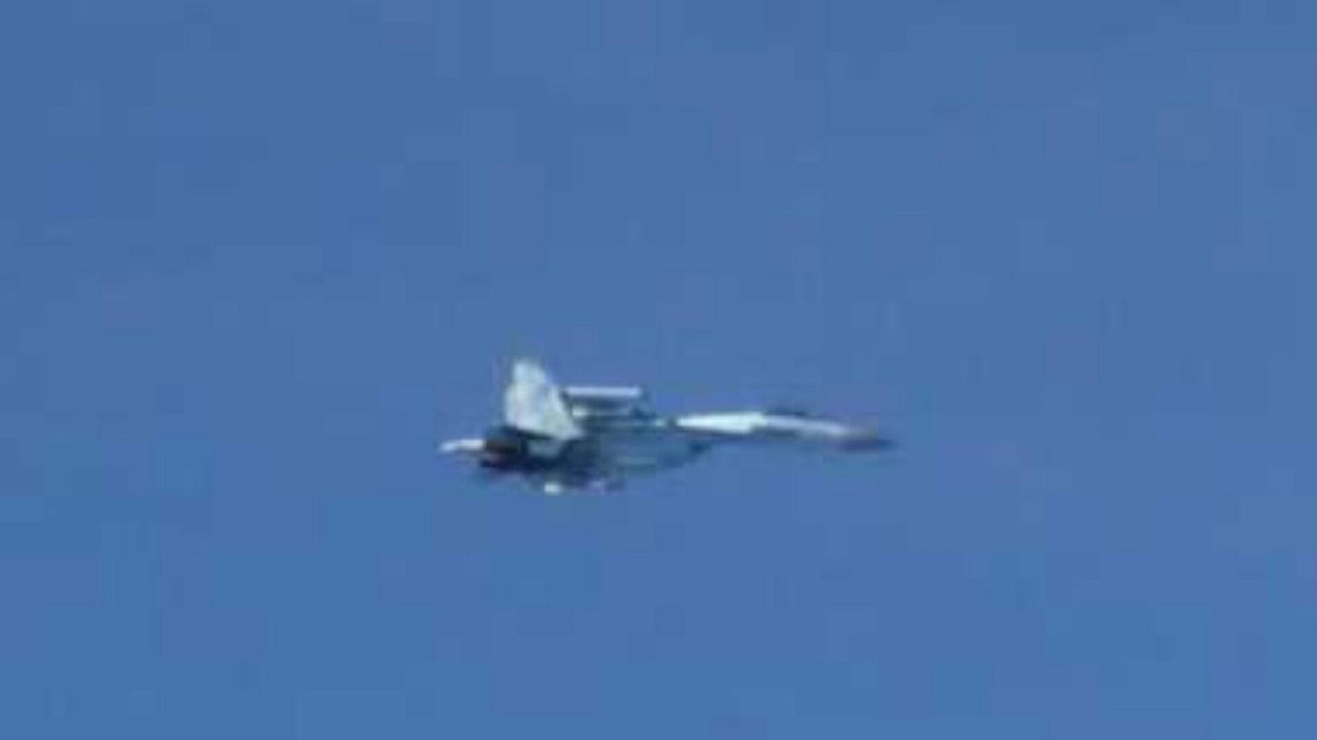 Истребитель Су-27 над Японским морем. 19 сентября 2018 - РИА Новости, 1920, 28.11.2020