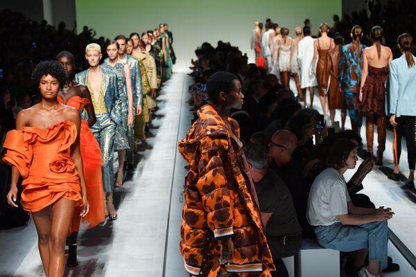 Показ коллекции Ermanno Scervino в рамках Недели моды в Милане