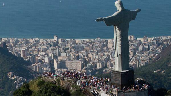 Статуя Христа Искупителя в Рио-де-Жанейро