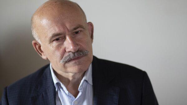 Российский переводчик Павел Палаженко