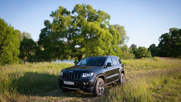 Автомобиль Jeep Grand Cherokee