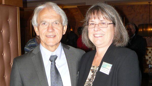 Джерар Муру и Донна Стрикланд на конференции, посвященной  50-летию нелинейной оптики (Суздаль , 2011)