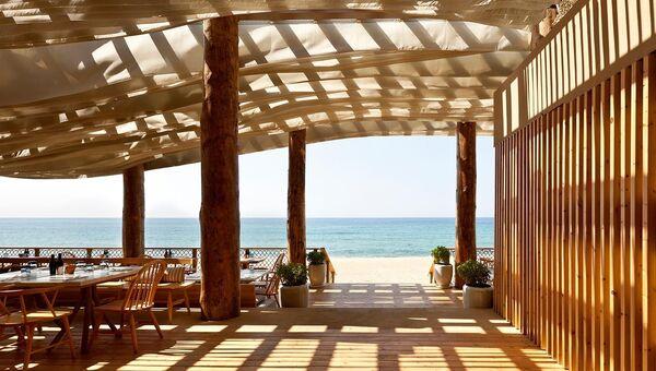 Ресторан Barbouni в курортном комплексе Romanos Costa Navarino