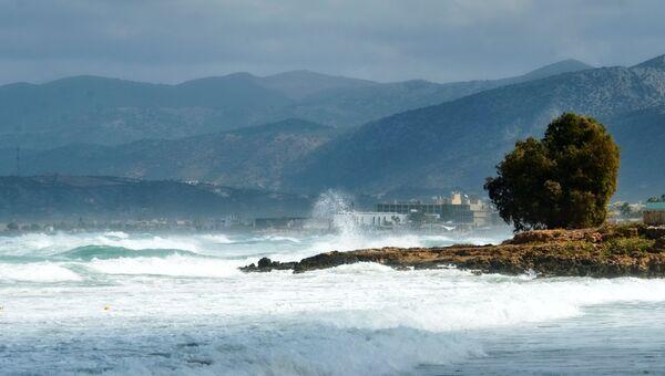 Шторм на побережье Средиземного моря