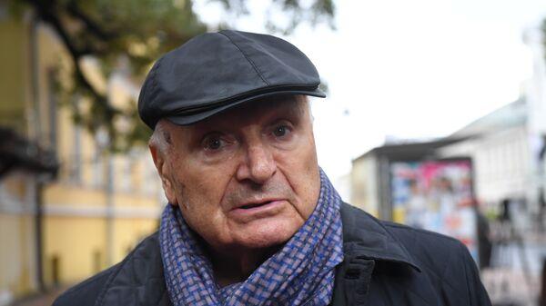 Писатель-сатирик Михаил Жванецкий