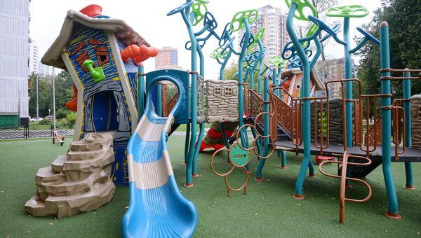 Детская игровая площадка по улице Новаторов, дом 34, корпус 6 в Обручевском районе Юго-Западного административного округа в Москве