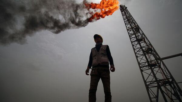 Нефтегазовое месторождение в Басре, Ирак. Архивное фото