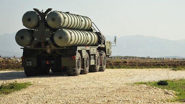防空导弹系统S-400。 档案照片