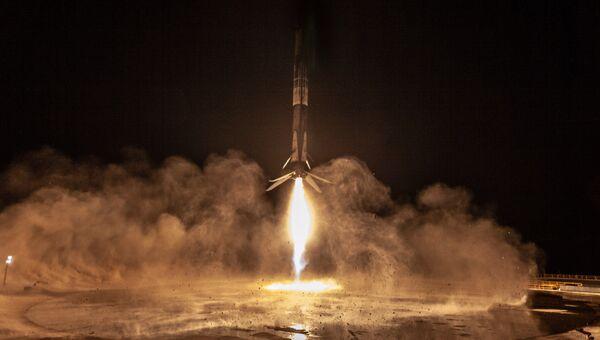 Возвращение первой ступени ракеты Falcon 9 на калифорнийский военный космодром Ванденберг. 7 октября 2018