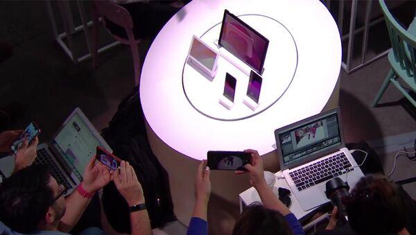 Новая продукция компании Google во время презентации