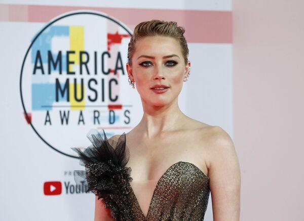 Эмбер Хёрд на церемонии награждения American Music Awards в Лос-Анджелесе