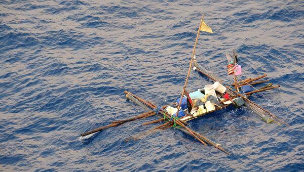 Плот, на котором дрейфовали филиппинские рыбаки