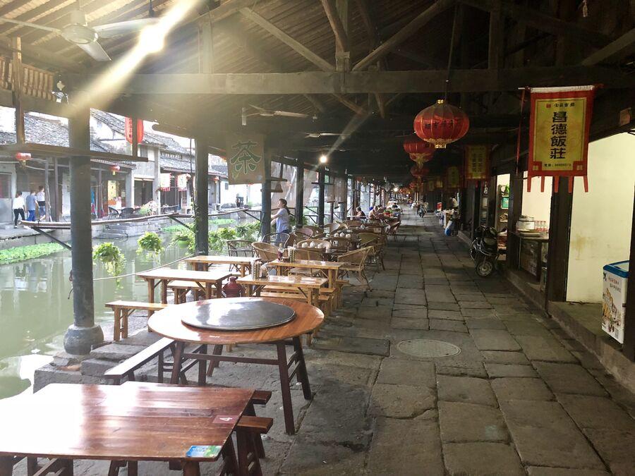 Улица в древнем городке Аньчан, Китай