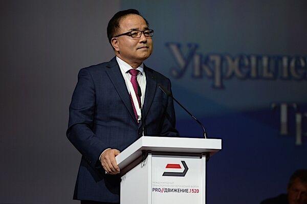 Вице-президент по пассажирским перевозкам и член правления Корейской национальной железнодорожной корпорации KORAIL Хён Ик Чхо