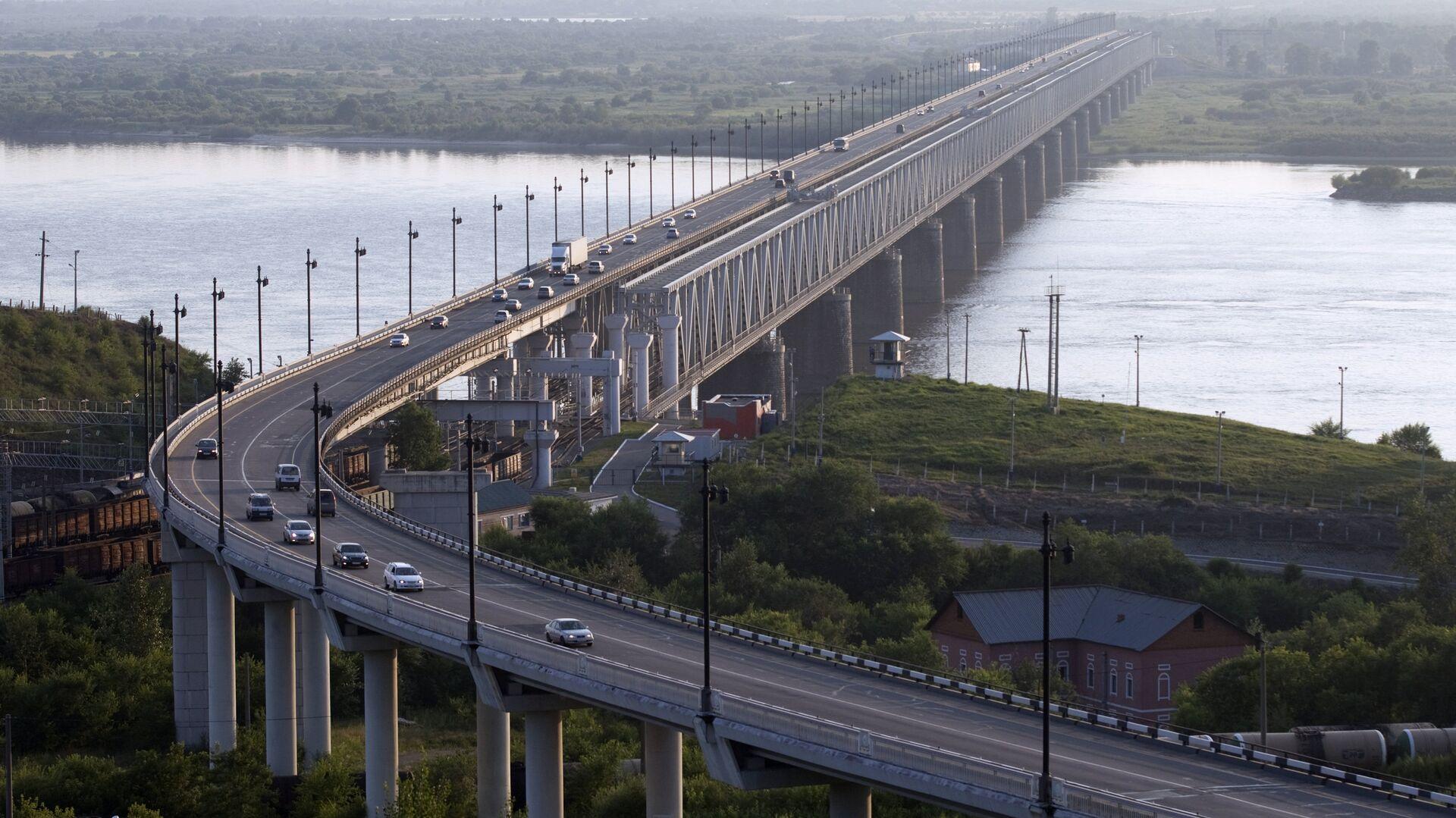 Мост через реку Амур в Хабаровске на трассе Чита-Хабаровск - РИА Новости, 1920, 01.03.2021