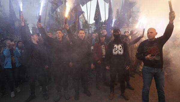 Участники марша в Киеве по случаю 76-летия создания Украинской повстанческой армии*. 14 октября 2018