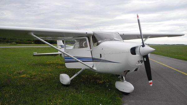 Легкомоторный самолет Cessna 172
