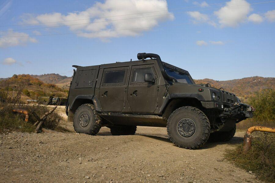 Бронеавтомобиль LMV M65 Рысь возле селения Даттых Сунженского района Ингушетии