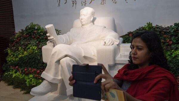 Памятник Мао Цзэдуну в музее Конституции в городе Ханчжоу в КНР