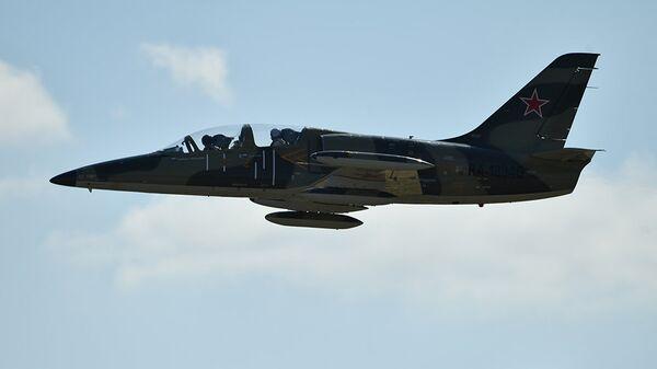 Учебно-боевой самолет Л-39