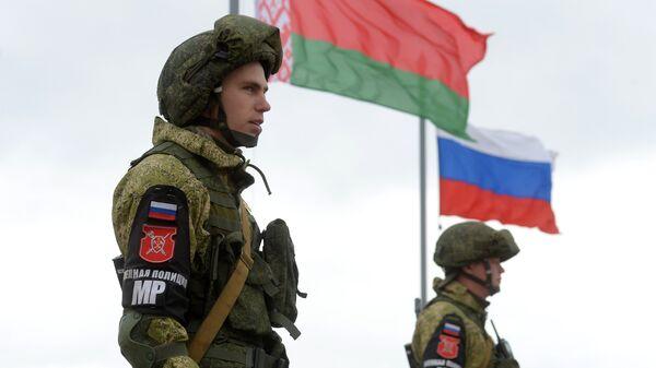 Российские и белорусские военнослужащие. Архивное фото