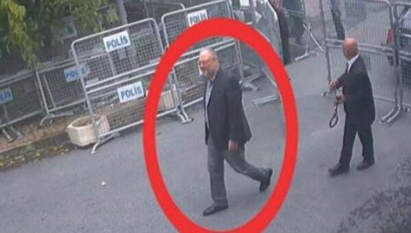 Саудовский журналист Джамаль Хашукджи в консульстве Саудовской Аравии в Стамбуле