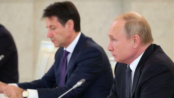 Президент РФ Владимир Путин и премьер-министр Италии Джузеппе Конте