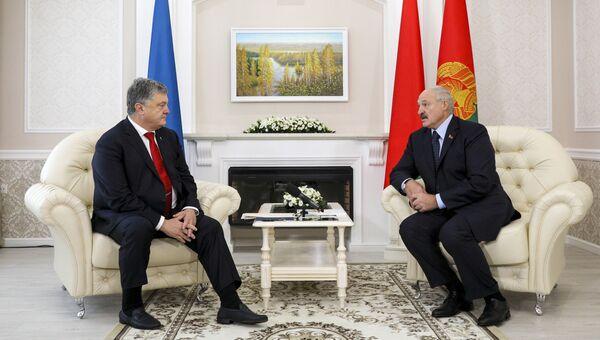 Президент Белоруссии Александр Лукашенко во время встречи с президентом Украины Петром Порошенко. 26 августа 2018