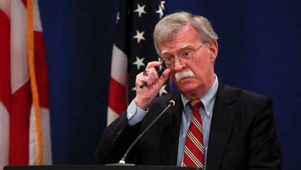 Советник США по национальной безопасности Джон Болтон во время брифинга в Тбилиси, Грузия. 26 октября 2018