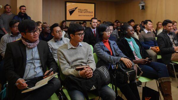 Участники международной сессии проекта SputnikPro для молодых журналистов и медиаменеджеров