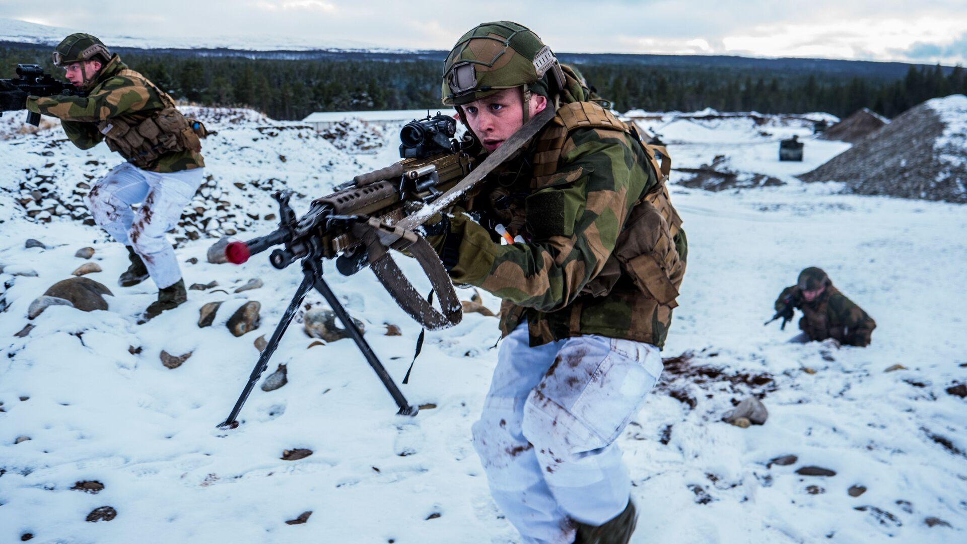 Военнослужащие Вооруженных сил Норвегии во время совместных учений НАТО Trident Juncture 2018 (Единый трезубец) - РИА Новости, 1920, 27.11.2020