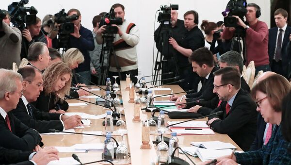 Министр иностранных дел РФ Сергей Лавров и генеральный секретарь ОБСЕ Томас Гремингер на встрече в Москве. 2 ноября 2018