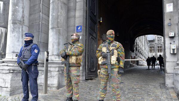 Охрана у здания суда в Льеже