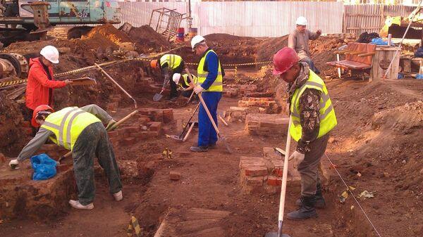 Археологические раскопки на Долгоруковской улице в Москве
