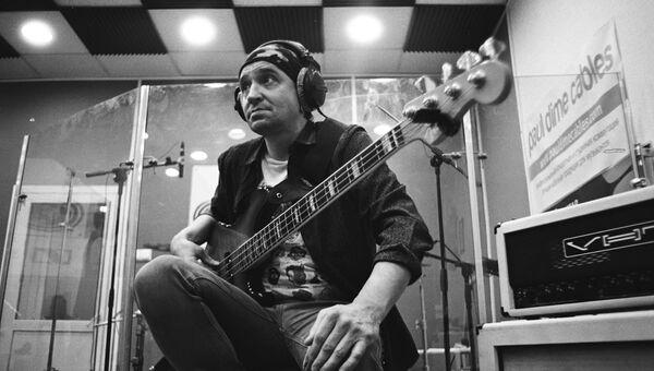 Джазовый бас-гитарист Роман Гринев
