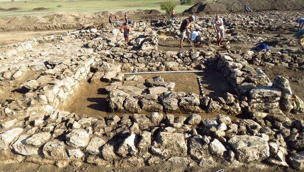 На месте раскопок Поселения Манитра в Крыму